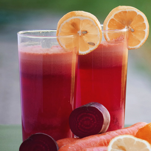 beetroot and carrot smoothie packed with prenatal vitamins for healthy pregnancy