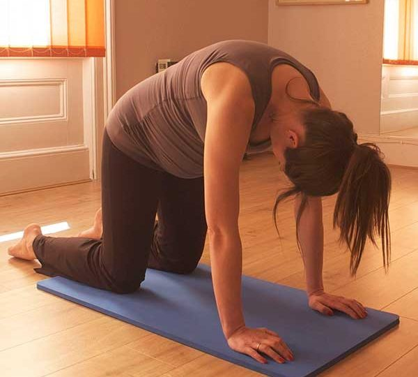 Pregnancy Pilates four point kneel